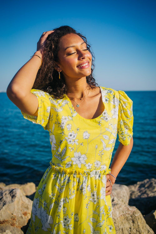 robe jaune pour un été en couleurs