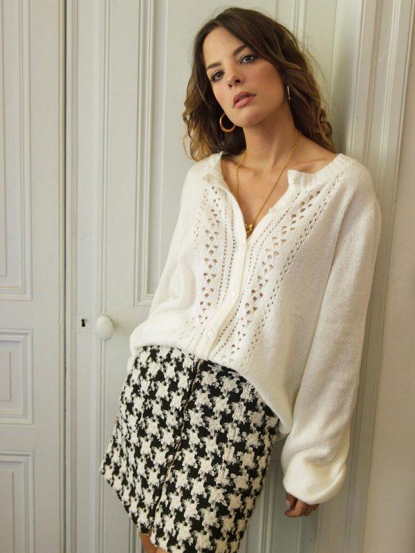 jupe confectionnée dans un tissu de grande qualité